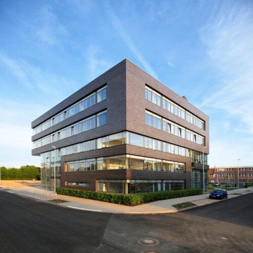 Wissenschaftszentrum Kiel, Wissenschaftspark, Fraunhoferstr 13, D24118 Kiel; Planung: Architektencontor Agather-Scheel (Kiel), Fertigstellung MŠrz 2008